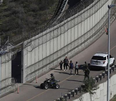 Supreme Court to hear challenges to Trump border wall funding, asylum policies