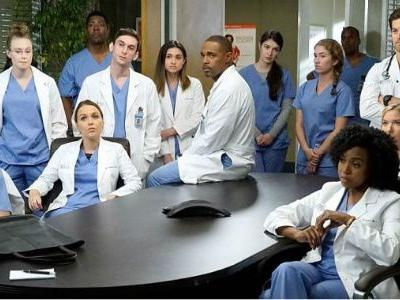 Grey's Anatomy Has Answered How Its Cliffhanger Will Be Addressed In Season 15