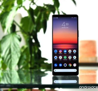 Get Sony's flagship Xperia 1 II for £300 less this Black Friday