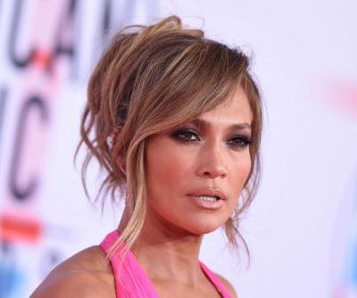 Jennifer Lopez to be honored with fashion icon award