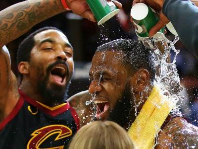 Twitter reacts to LeBron James' game-winning shot