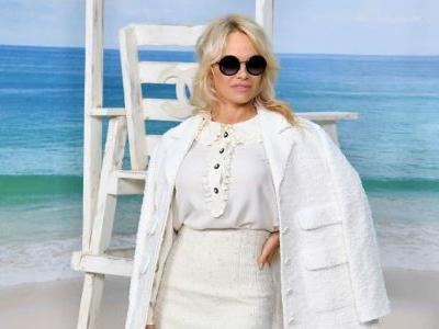 Pamela Anderson's Anti-'Baywatch' Moment Stole the Chanel Front Row Spotlight
