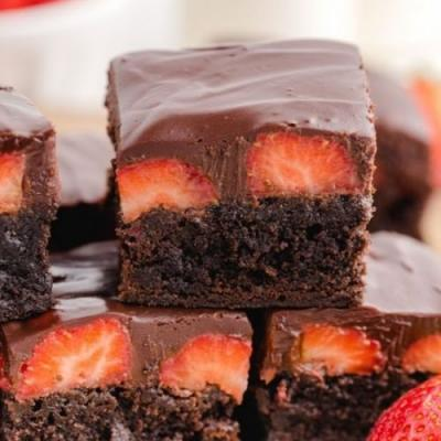 Chocolate Strawberry Brownies