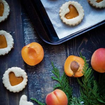 Ginger Apricot Linzer Cookies
