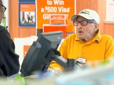 Beloved 97-year-old veteran working at grocery store says he's not retiring anytime soon