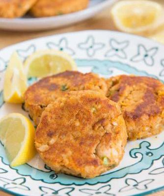 Chipotle Sweet Potato Salmon Cakes