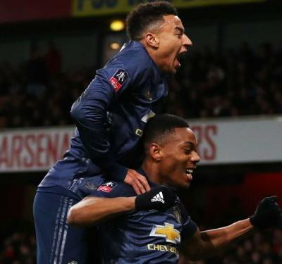 Man Utd stay hot with FA Cup win at Arsenal