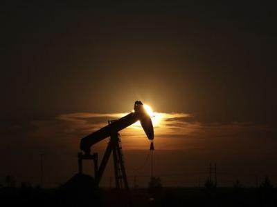 US oil output is booming and seen outpacing Saudis, Russia