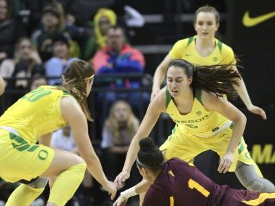 Ionescu scores 31, No. 5 Ducks top No. 19 Sun Devils 77-71