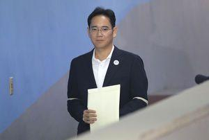 Lawyers, prosecutors face off at Samsung heir's appeal case