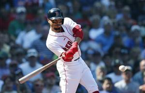Betts to sit vs Yankees with side injury, soggy conditions