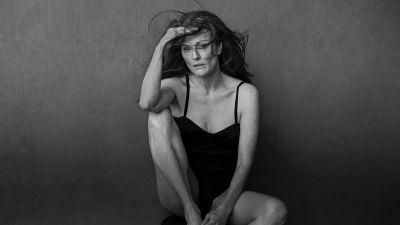 See Julianne Moore, Nicole Kidman and More Award-Winning Actresses in the 2017 Pirelli Calendar