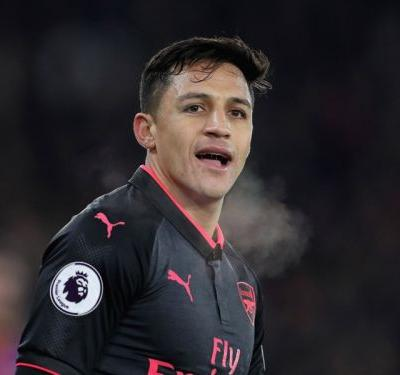 Manchester United January transfer news LIVE: Alexis jets in for Man Utd medical