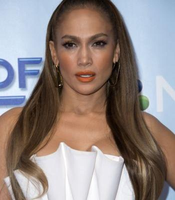 "Jennifer Lopez Wants You to Know This About Her Beauty Line: ""There Is More Than 1 Shade of Nude"""