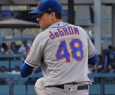 Jacob deGrom's Cy Young Award breaks while being mailed