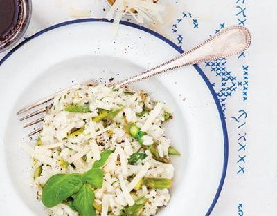 Risotto with asparagus and basil recipe