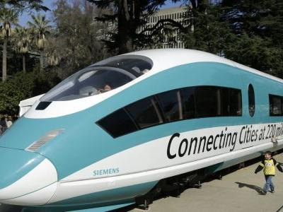 Audit cites flaws in costly California bullet train project
