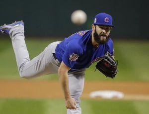 Cubs, Arrieta avoid arbitration with 1-year deal