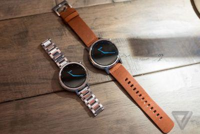Moto pushes off smartwatches indefinitely