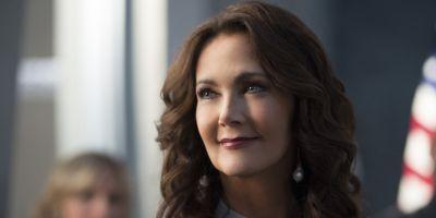 The Flash Invasion! Crossover Episode Almost Included Lynda Carter