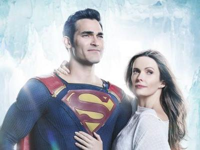 Arrowverse Crossover Photo Reveals Official Look At Superman & Lois Lane