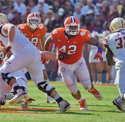 Clemson All-America defensive lineman Christian Wilkins turns ball carrier for touchdown