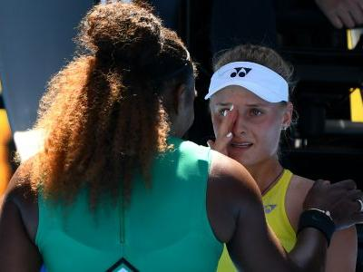 Serena Williams consoles Dayana Yastremska: 'Don't cry, you did really well'