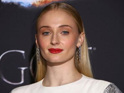 Sophie Turner bid Sansa Stark an emotional goodbye ahead of the 'Game of Thrones' finale: 'I grew up with you'