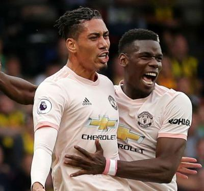 Smalling signs new Man Utd contract through to 2022