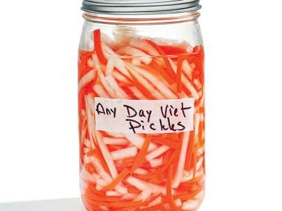 Vietnamese Daikon and Carrot Pickles