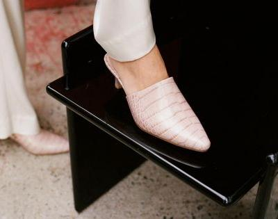How to Style Mules for Spring Like a Pro