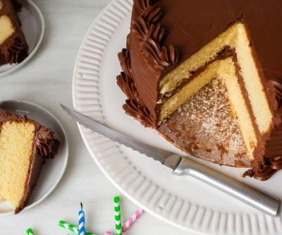 The best way to cut cake: Tools, techniques, & tricks for perfect slices