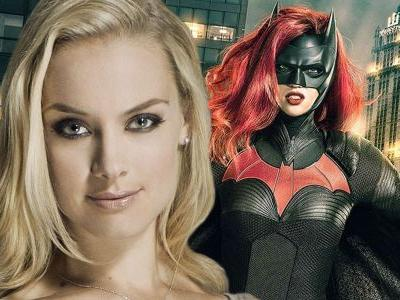 Batwoman: Rachel Skarsten Cast As Lead Villain Alice