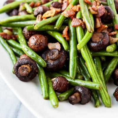Garlic Bacon Sautéed Green Beans
