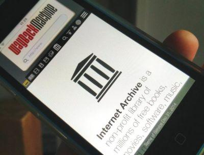 The Internet Archive is building a database replica in Canada, prepares for a web with 'greater restrictions'