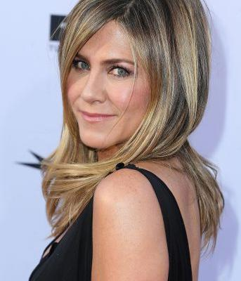 Jennifer Aniston's Pain Tolerance Is Alarmingly High, According to Her Facialist