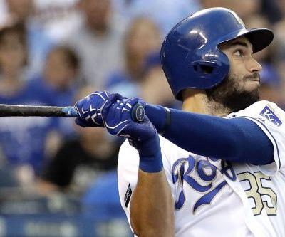 Eric Hosmer signs the largest deal in Padres history
