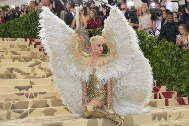 These Memes About Katy Perry's 2018 Met Gala Look Have Twitter Screaming