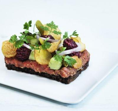 Smørrebrød: Beef tartare with tarragon and crispy potato by Adam Aamann