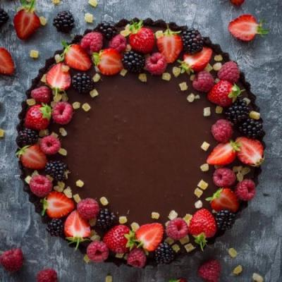 Vegan No-Bake Chocolate Tart