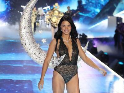 Adriana Lima Was A Walking Goddess At The VS Fashion Show And We Are Not Worthy