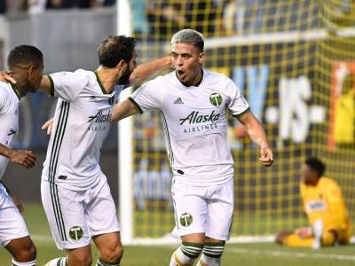 Fernandez scores two more, Timbers down Union