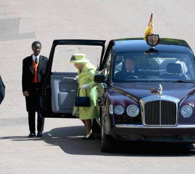 The Queen arrived at Prince Harry and Meghan Markle's wedding in lime green and she certainly stands out