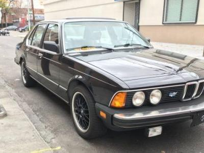 I Bought This 1984 BMW 733i to See If a Big Luxury Sedan Works as a City Car