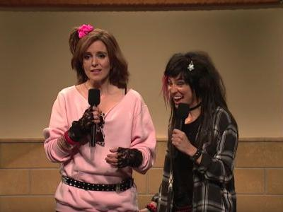 Watch Tina Fey Sing System Of A Down In SNL Talent Show Sk