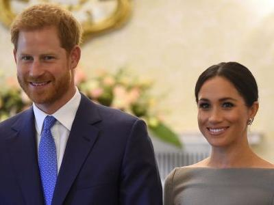 Meghan Markle Wore a Thing: Gray Roland Mouret Dress Edition