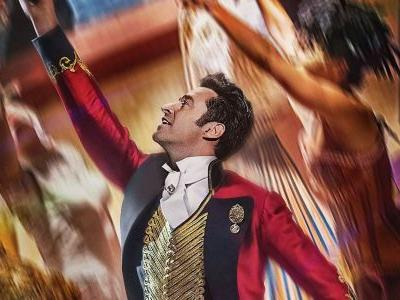 The Greatest Showman Cast Performs First Ever Live Movie Trailer