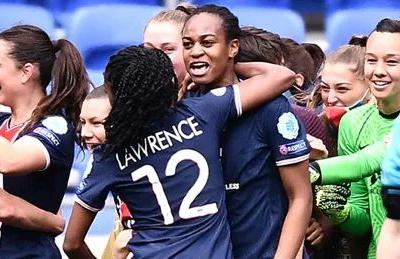 Canadian duo part of shocking PSG win over Lyon in women's Champions League