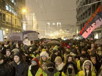 Thousands brave snow to rally against Serbian leader