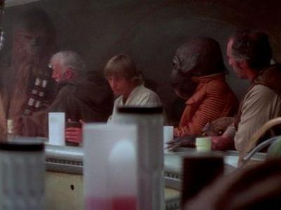 Star Wars Land Will Have a Cantina, Bringing Alcohol to Disneyland for the First Time Ever